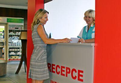 V novém informačním okénku Nemocnice Podlesí získají pacienti rady i pomoc