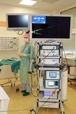 Nemocnice Podlesí získala unikátní laparoskopickou věž