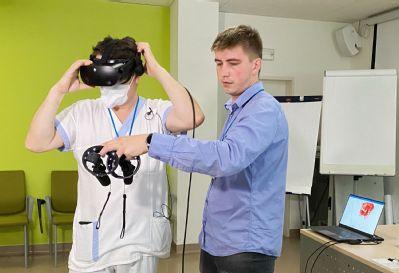 Složitou operaci atypického srdce zvládli lékaři Nemocnice AGEL Třinec-Podlesí hravě díky virtuální realitě